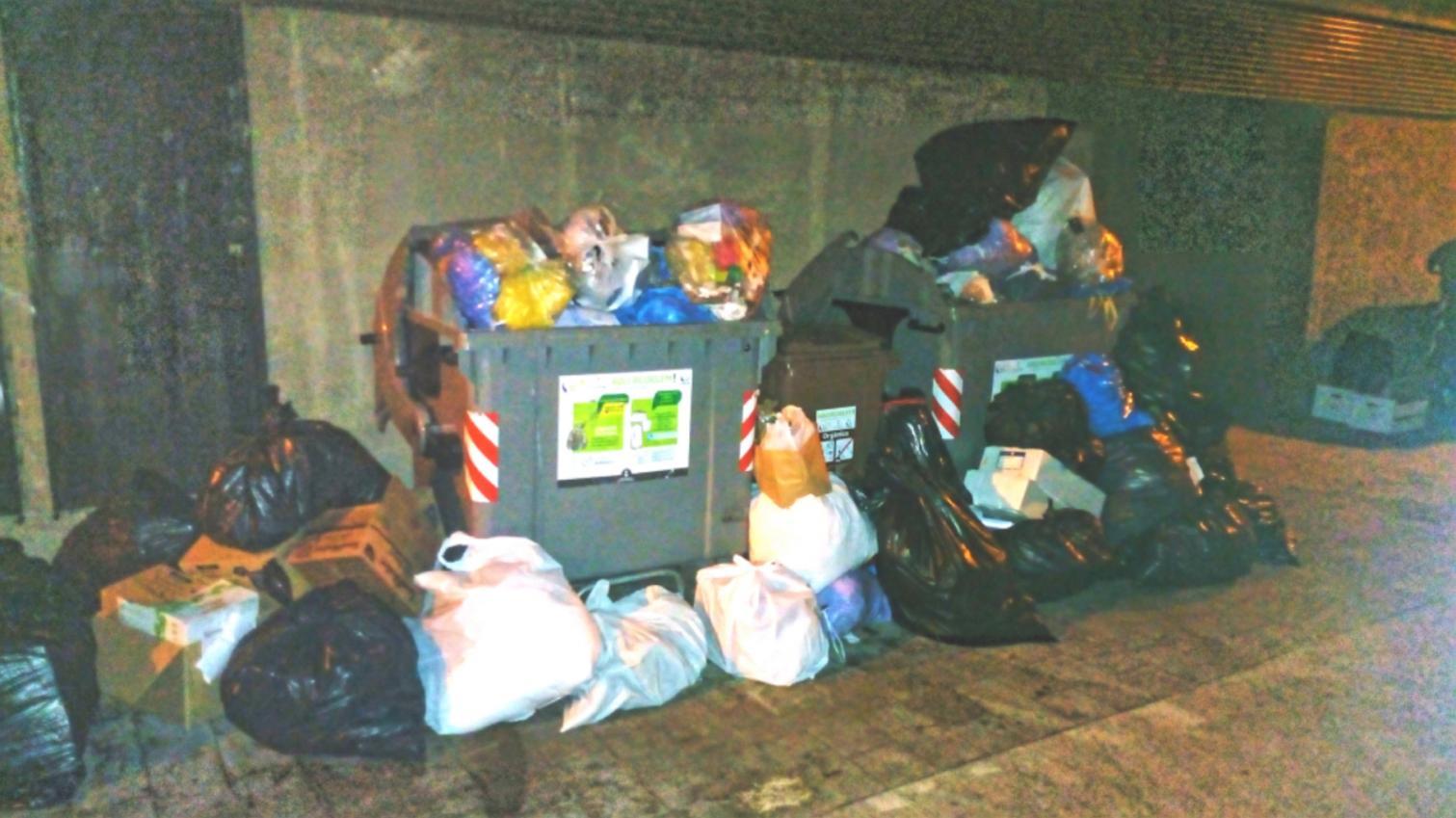 Abocador urba estartit carrer port 49